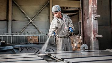 Услуги по механической подготовке поверхностей к дальнейшей обработке и нанесению покрытий (Пескоструйная установка)
